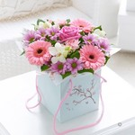mothers-day-gift-bag-of-flowers-free-chocolates-p94-415-medium